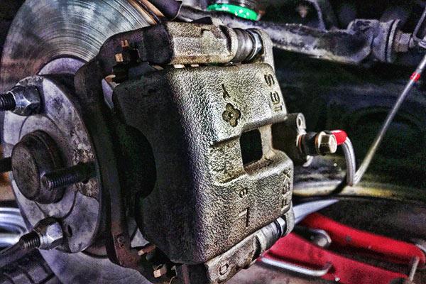 ロードスター:ブレーキキャリパー スライドピン交換