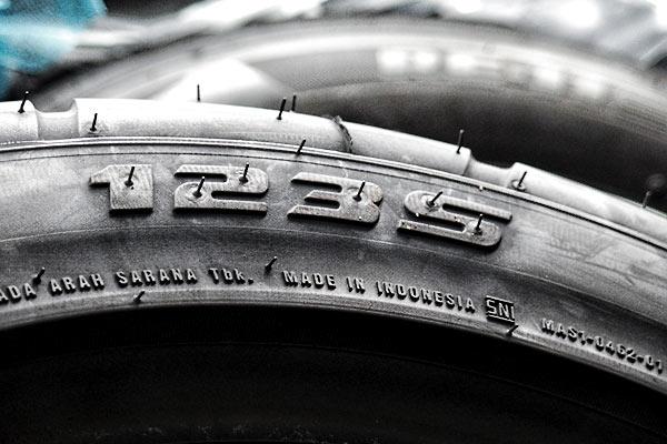 ロードスター:遊び用タイヤ交換