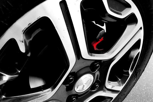 フレアクロスオーバー:フロントブレーキローター&パッド交換