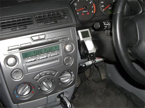iPod mini 車載化 ホルダー決定